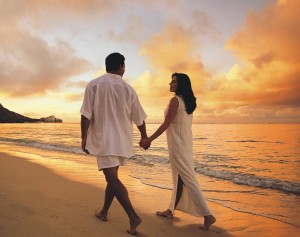 love-couple-beach
